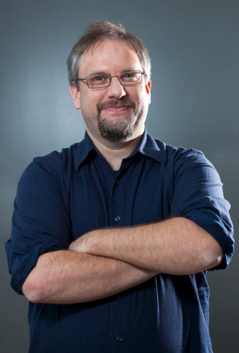 Diploma Program Director and Associate Professor of the Department of Journalism of Concordia University, David Secko, poses for a lighting class, on Tuesday, Oct. 28, 2015, at the Communication and Journalism building of the University. The course, Elements of lighting for visual journalism, is part of the Visual Journalism Graduate Diploma offered for the first year by Concordia University. (Marie-Pierre Savard /JOUR527)